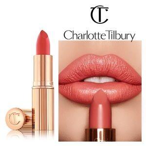 NIB🔥 Charlotte Tilbury-Coral Kiss/Coachella Coral